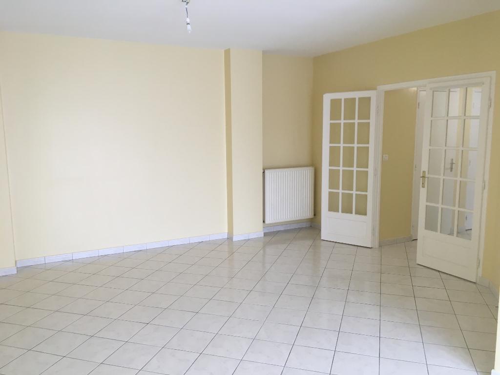 Rental apartment Saint quentin 700€ CC - Picture 1