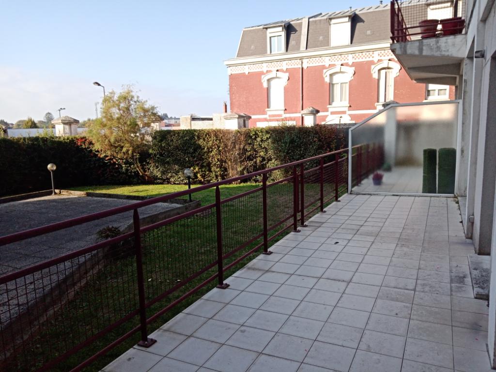 Rental apartment Saint quentin 700€ CC - Picture 2