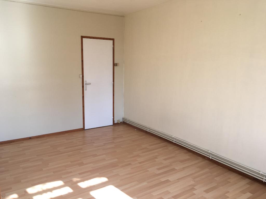 Location appartement Saint quentin 375€ CC - Photo 3