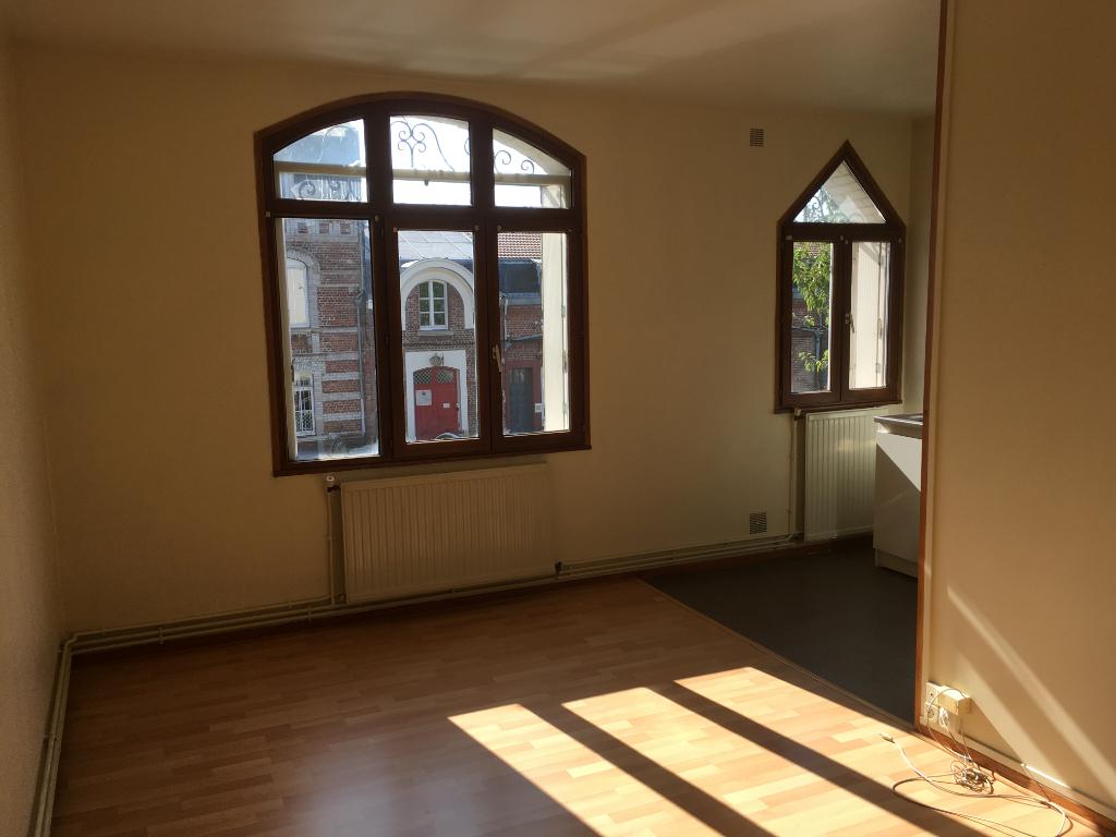 Location appartement Saint quentin 375€ CC - Photo 7