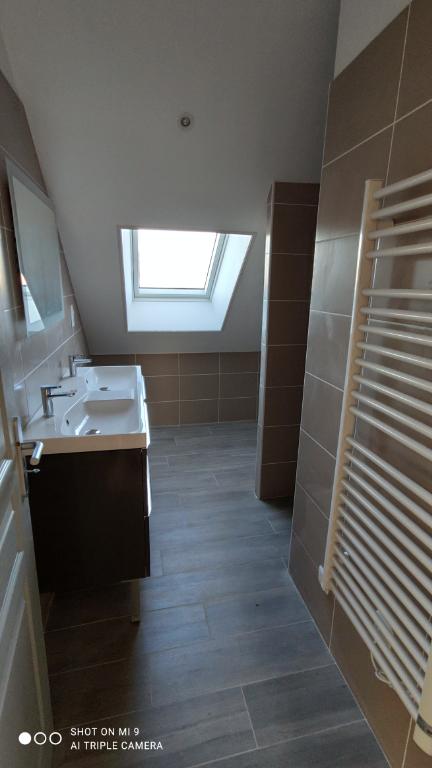 Location appartement Saint quentin 745€ CC - Photo 9