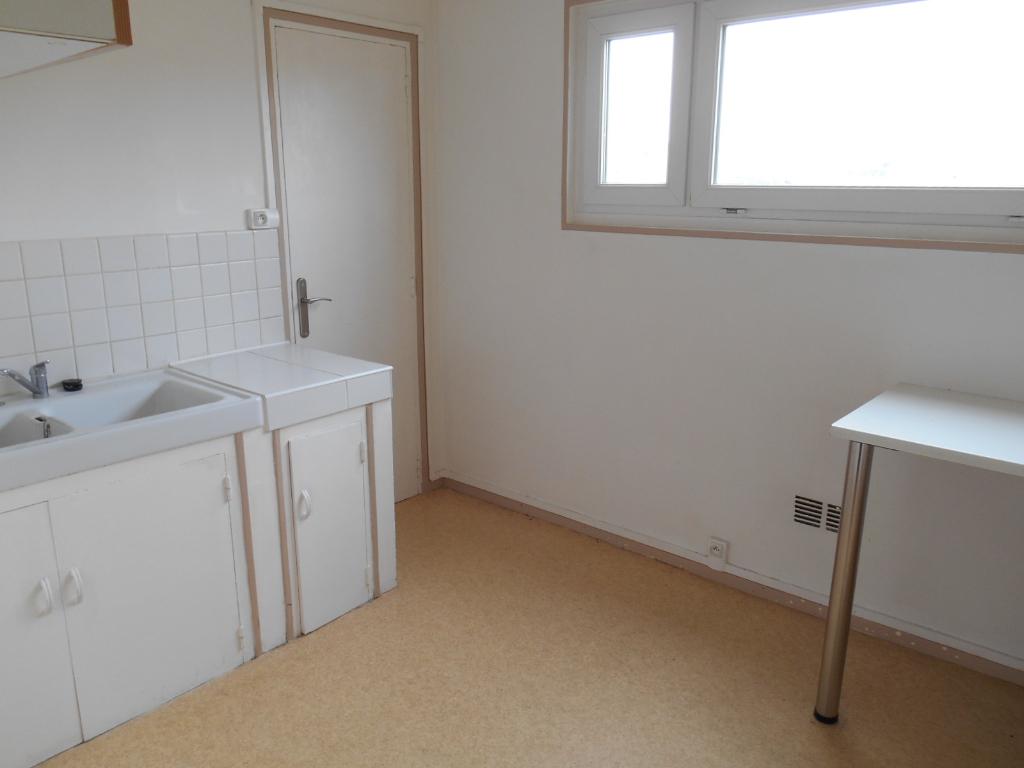 Rental apartment Saint quentin 515€ CC - Picture 7