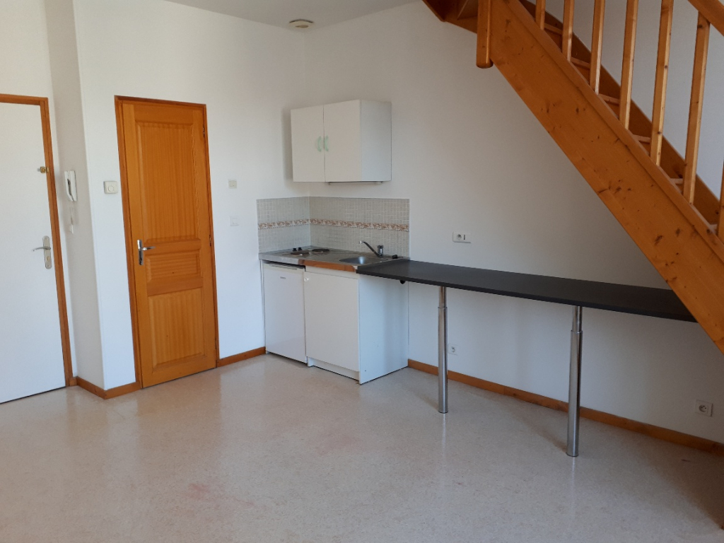 Rental apartment Saint quentin 490€ +CH - Picture 1