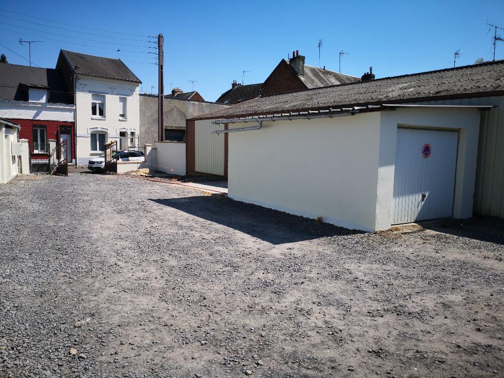 location garage parking saint quentin 50m 50 mois sur le partenaire. Black Bedroom Furniture Sets. Home Design Ideas