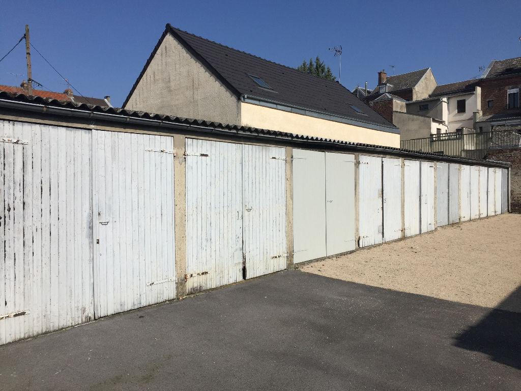 Location garage parking saint quentin 02100 sur le for Garage ford saint quentin 02100