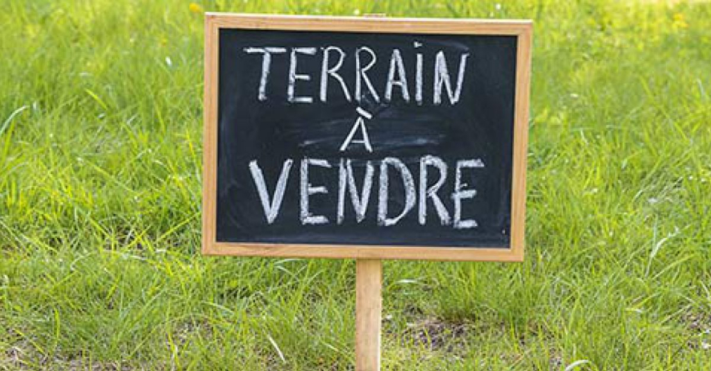 Sale site Ploneour lanvern 33000€ - Picture 1
