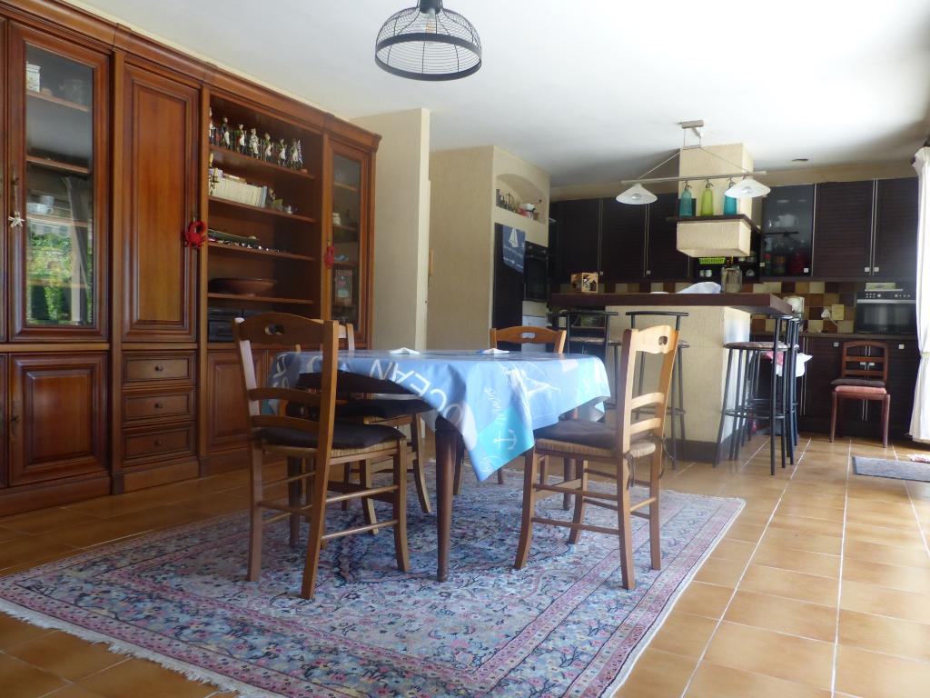 Sale house / villa Gouesnach 361500€ - Picture 3