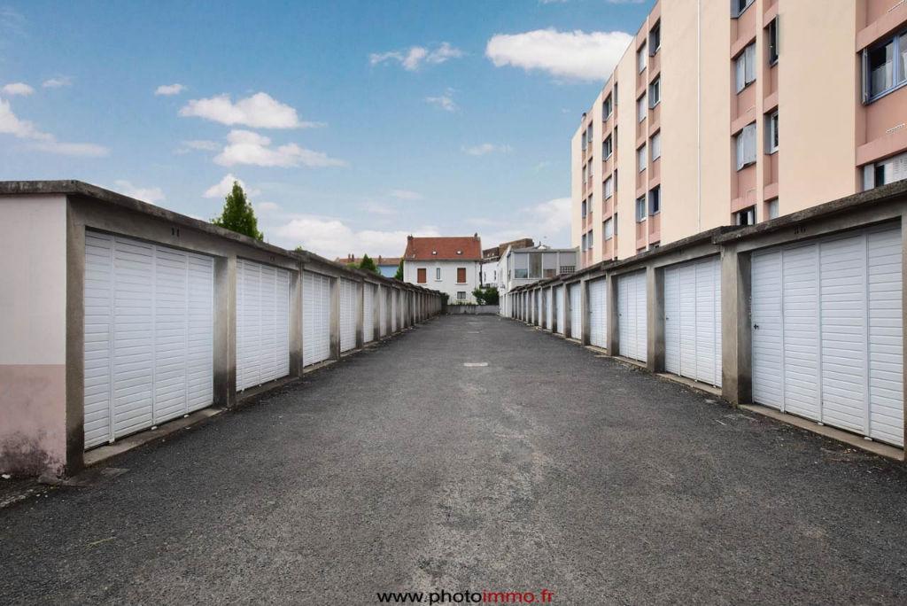 vente garage parking clermont ferrand 63000 sur le. Black Bedroom Furniture Sets. Home Design Ideas