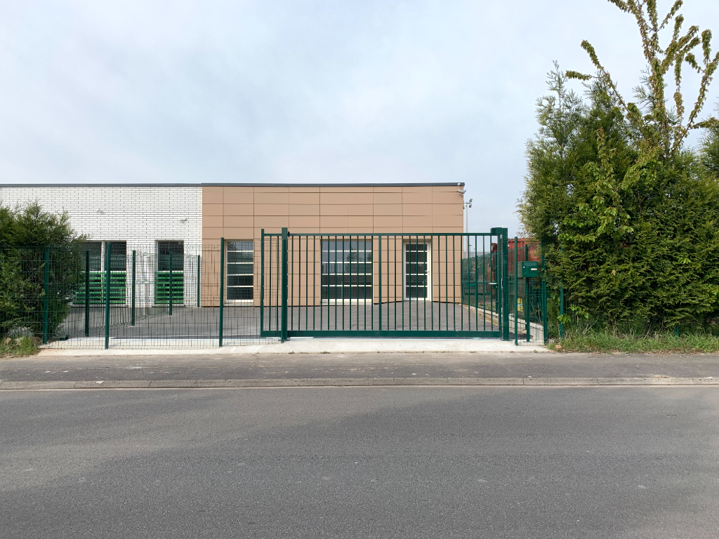 LOCAL Professionnel - CALONNE RICOUART 83m2