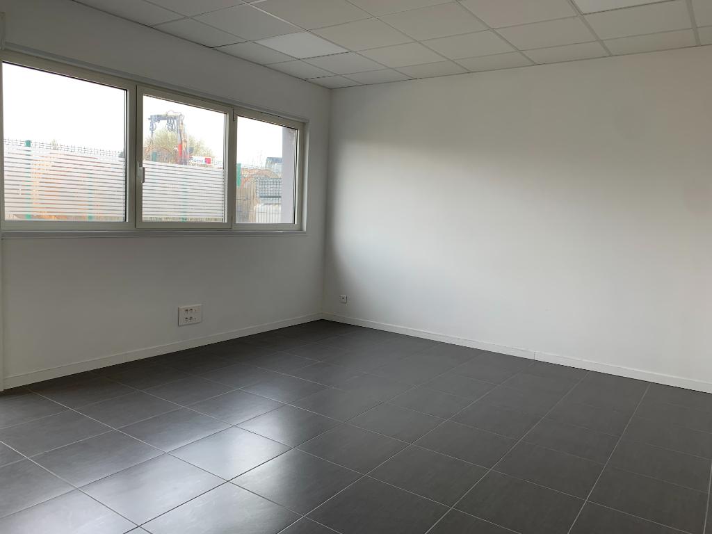 LOCAL Professionnel - CALONNE RICOUART 83m2