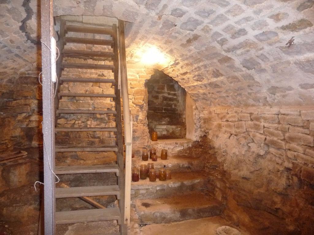 Ancienne ferme 230 m proche crancot lons le saunier 39000 for Code postal lons