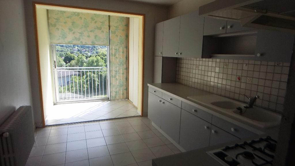 Appartement t3 lons le saunier 39000 for Code postal lons