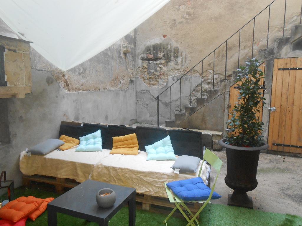 location appartement nevers 58000 sur le partenaire. Black Bedroom Furniture Sets. Home Design Ideas