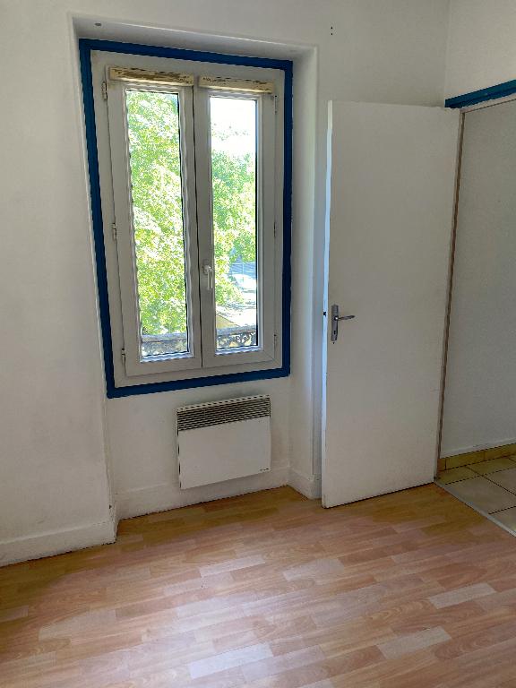 Appartement Villeneuve Saint Georges 1 pièce(s) 22 m2