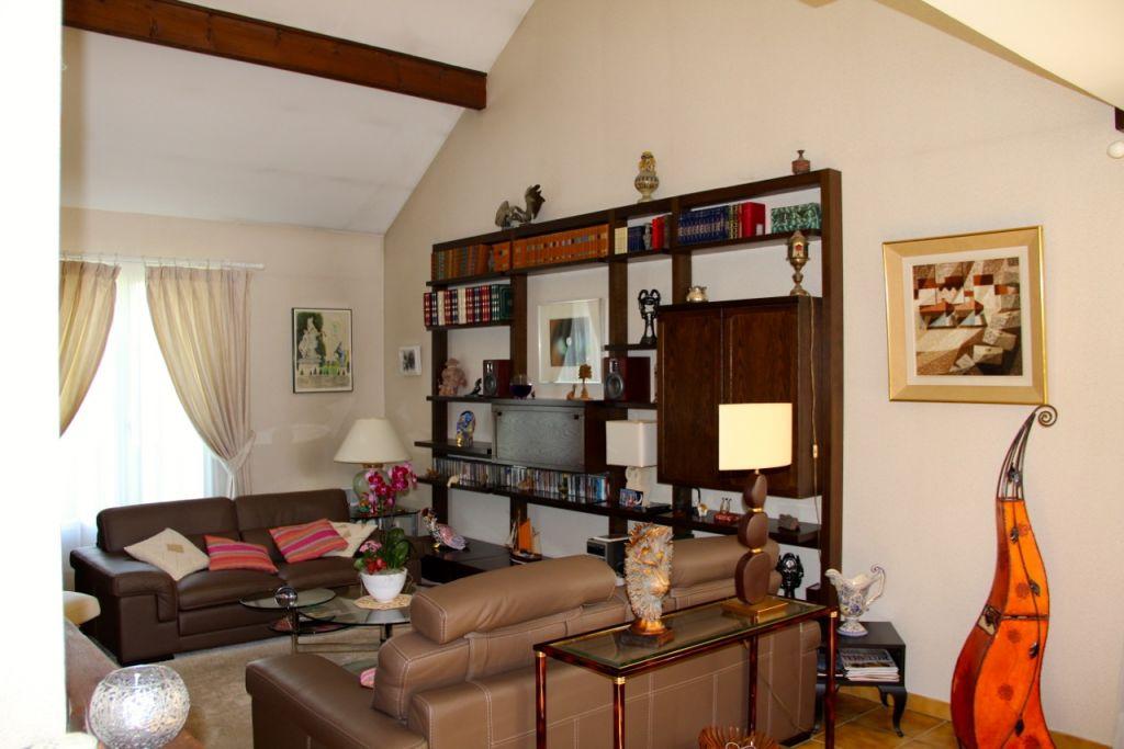 Maison 6 pièce(s) 135 m²                78860 SAINT NOM LA BRETECHE