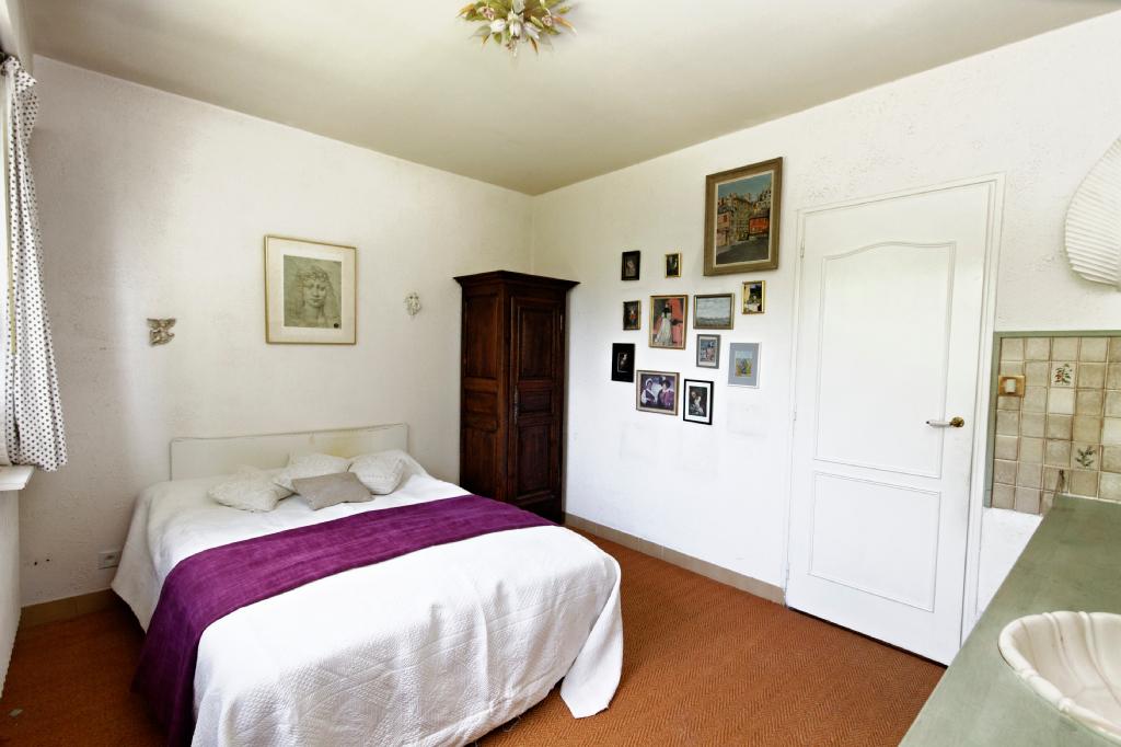 Maison 8 pièce(s) 140 m²                78240 CHAMBOURCY