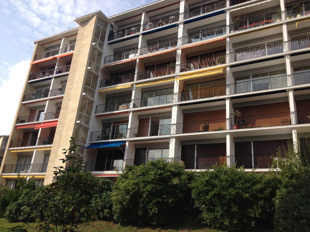 Appartement 75 mètres carré résidence arborée