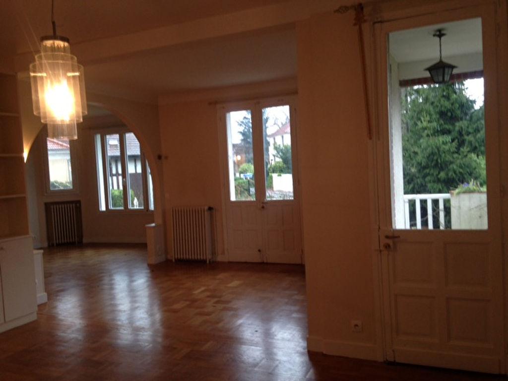 Maison 8 pièce(s) 189 m²                78170 LA CELLE SAINT CLOUD