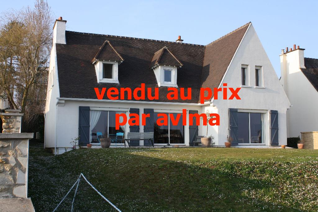 Maison 8 pièce(s) 167 m²                78240 CHAMBOURCY