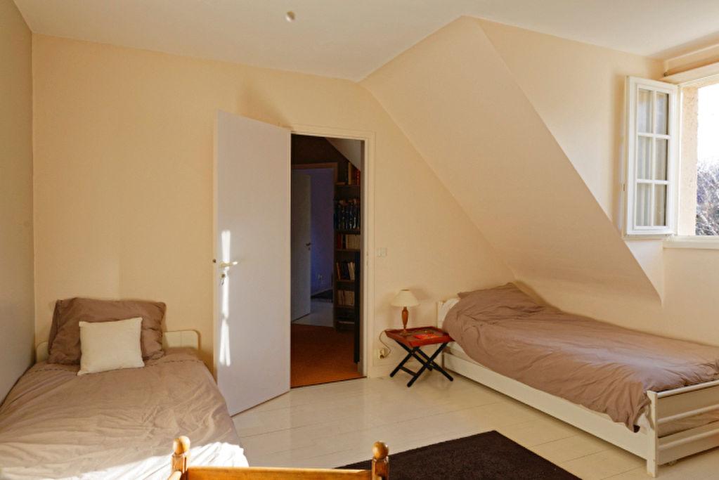 Maison 6 chambres 10 pièce(s) à 3mn à pieds des écoles élémentaires de Chambourcy