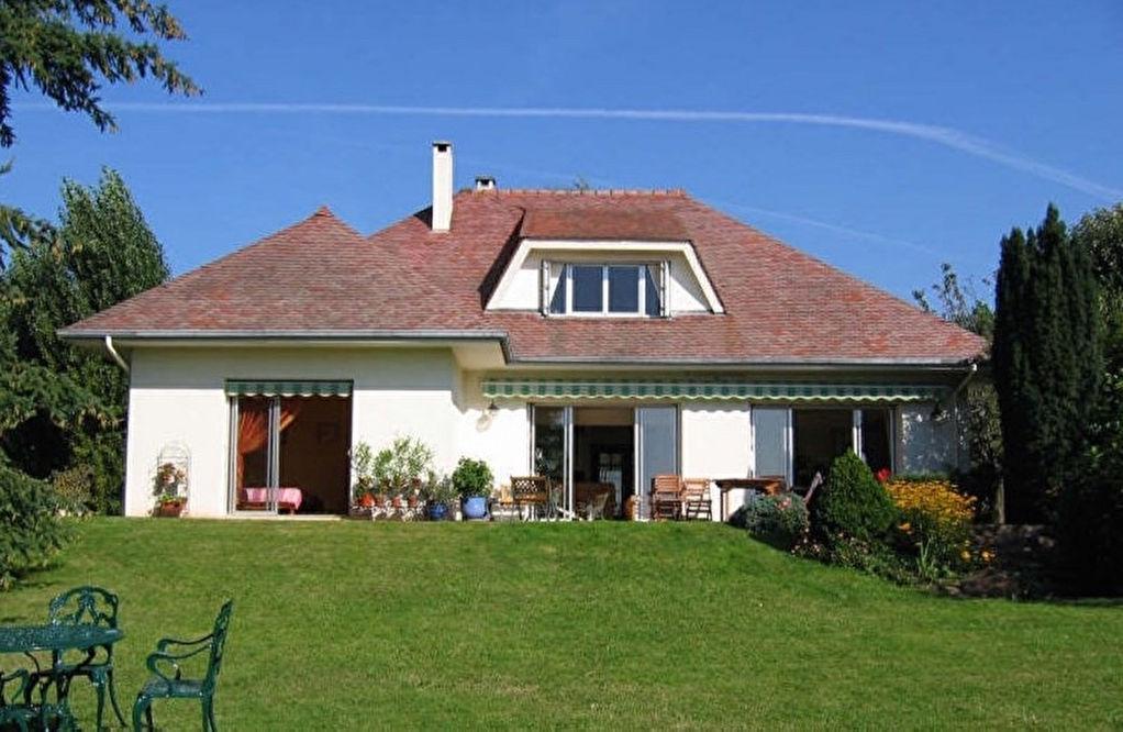 Maison 7 pièce(s) 247 m²                78121 CRESPIERES