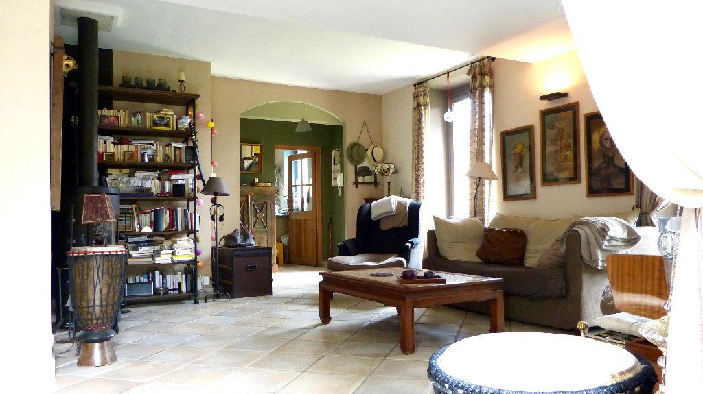 Le charme romantique d'une maison de 160 m2 dans jardin clos
