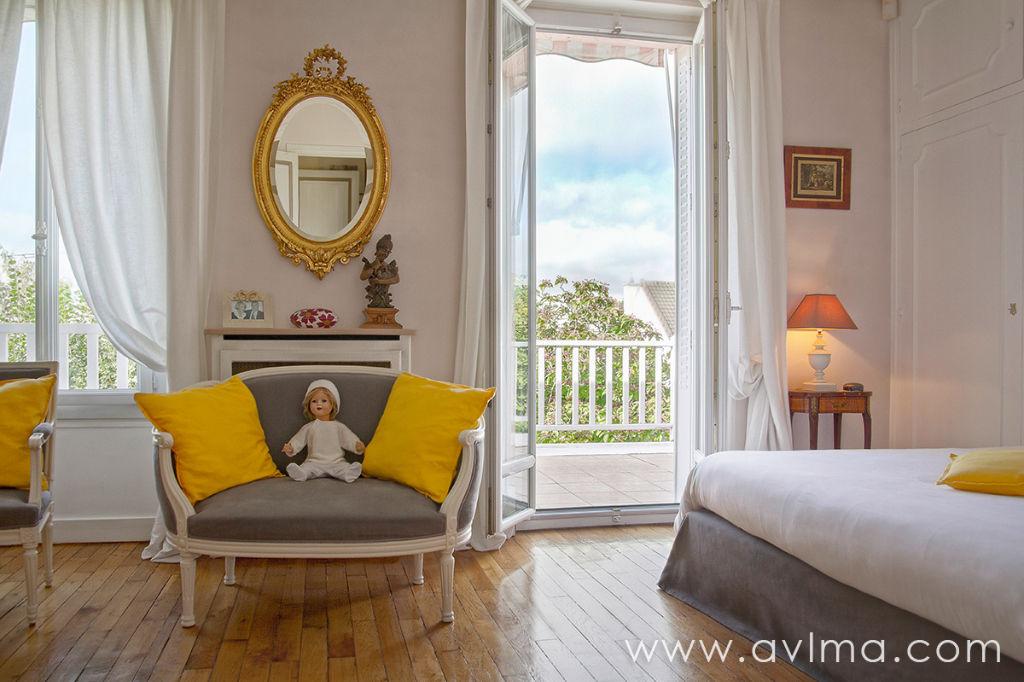 Maison 8 pièce(s) 270 m²                78230 LE PECQ