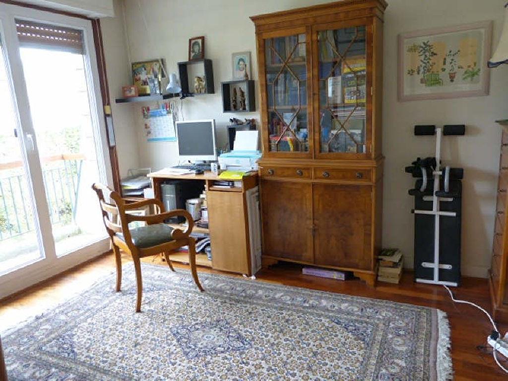 Maison 6 pièce(s) 140 m²                78620 L ETANG LA VILLE