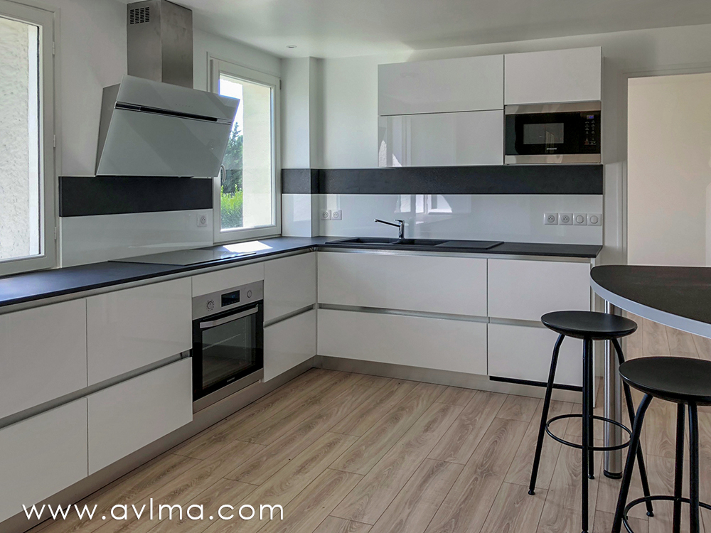 Maison 7 pièce(s) 170 m²                78860 SAINT NOM LA BRETECHE