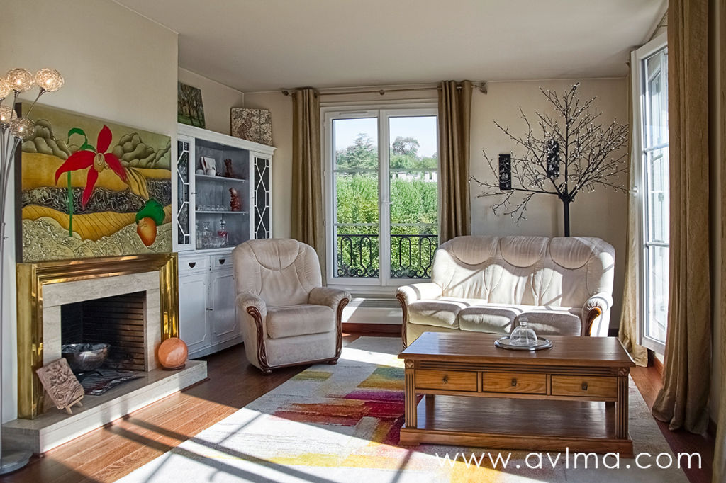Appartement 6 pièce(s) 110 m²                         78870 BAILLY