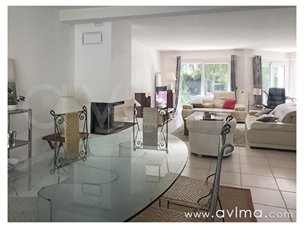 House Saint Nom La Breteche 8 room (s) 221 sqm