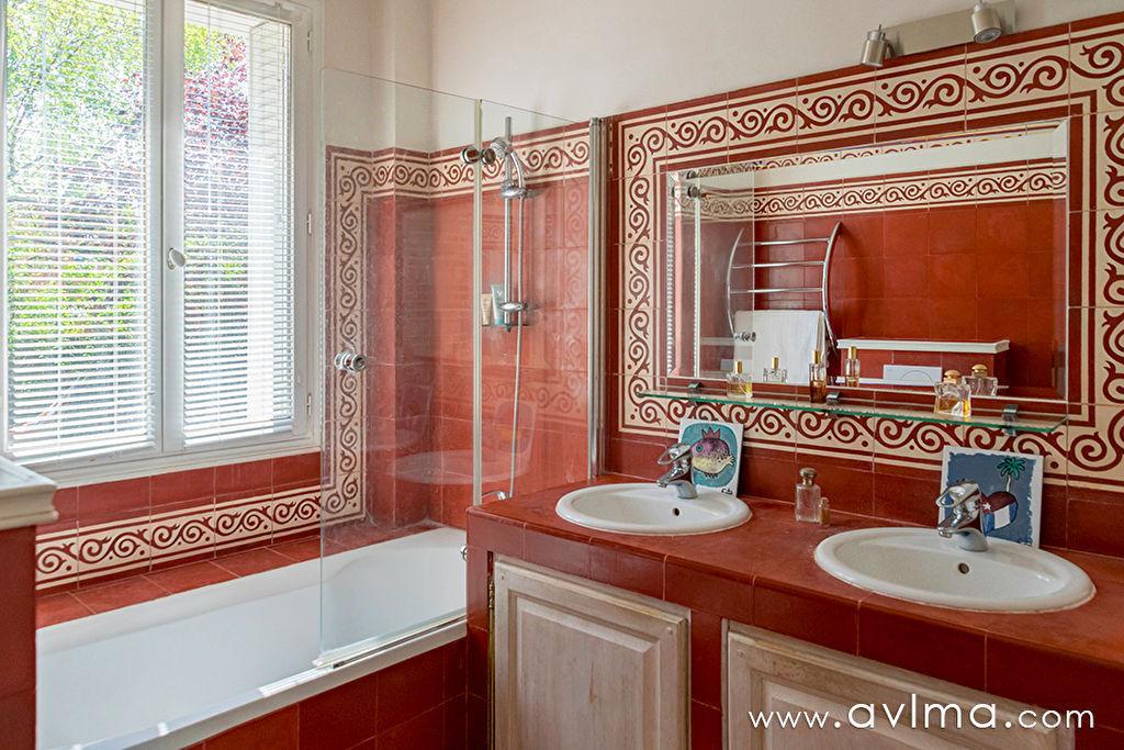 Maison 7 pièce(s) 160 m²              78360 MONTESSON
