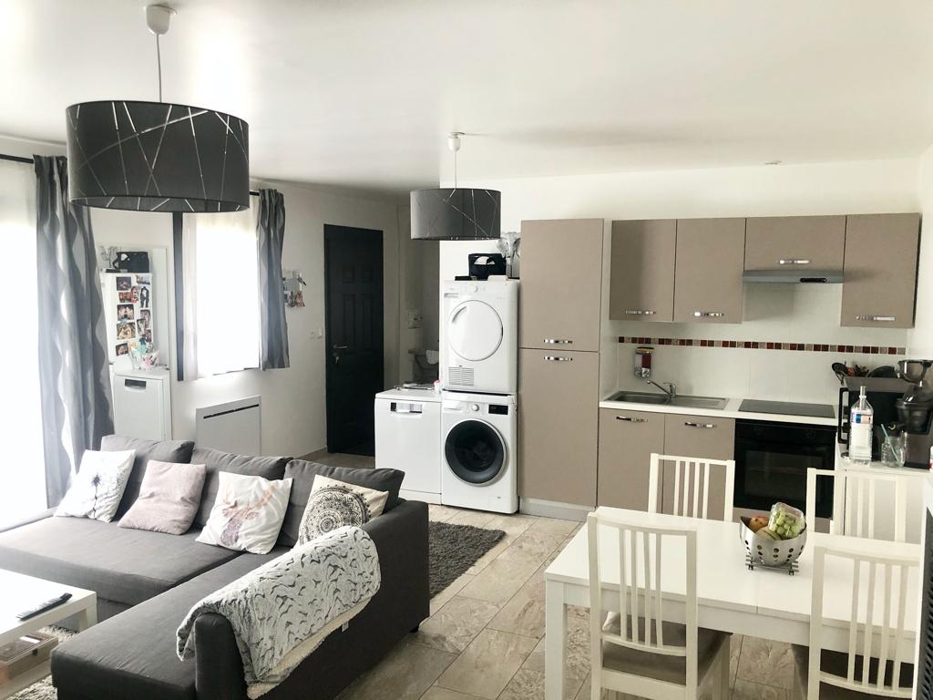 Appartement 3 pièce(s) 61 m²                         78121 CRESPIERES