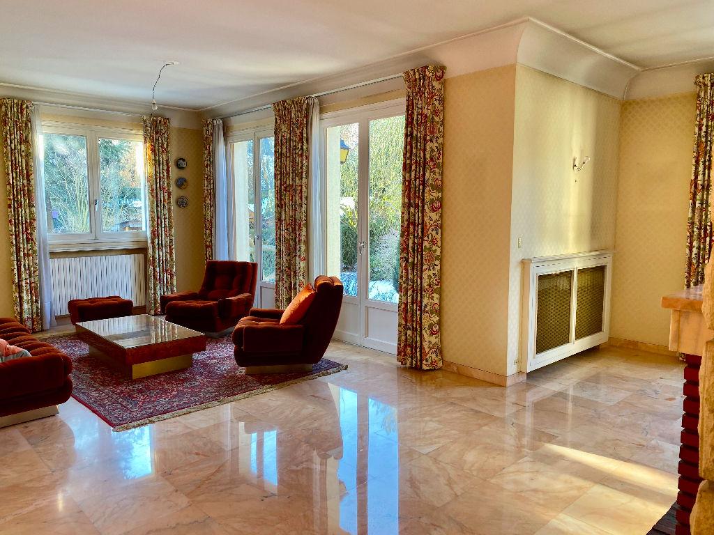 Maison 8 pièce(s) 170 m²                78170 LA CELLE SAINT CLOUD