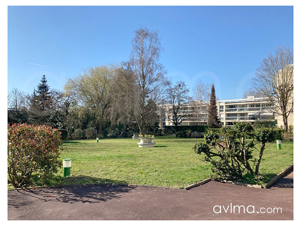 Appartement 3 pièce(s) 83 m²                         78870 BAILLY