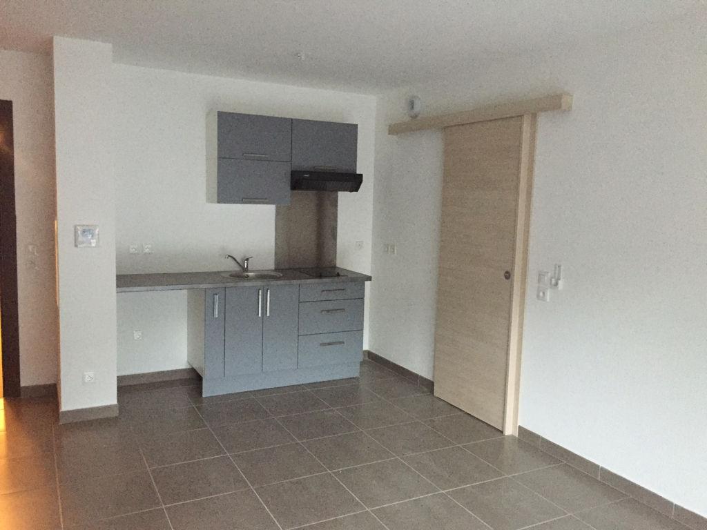 location appartement bastia 20200 2 pi ces sur le partenaire. Black Bedroom Furniture Sets. Home Design Ideas