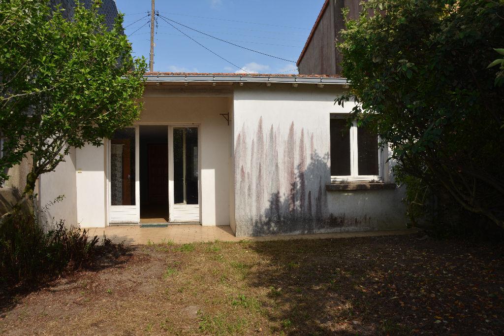 vente maison drain 49530 sur le partenaire. Black Bedroom Furniture Sets. Home Design Ideas