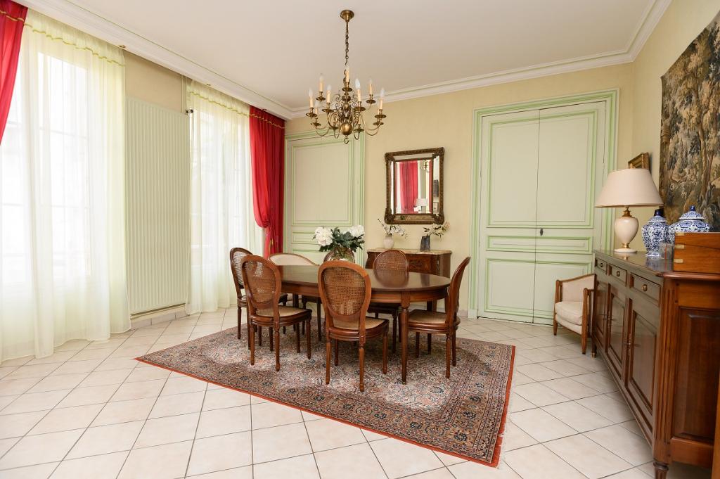 Maison 9 pièces 240 m² à CHARTRES