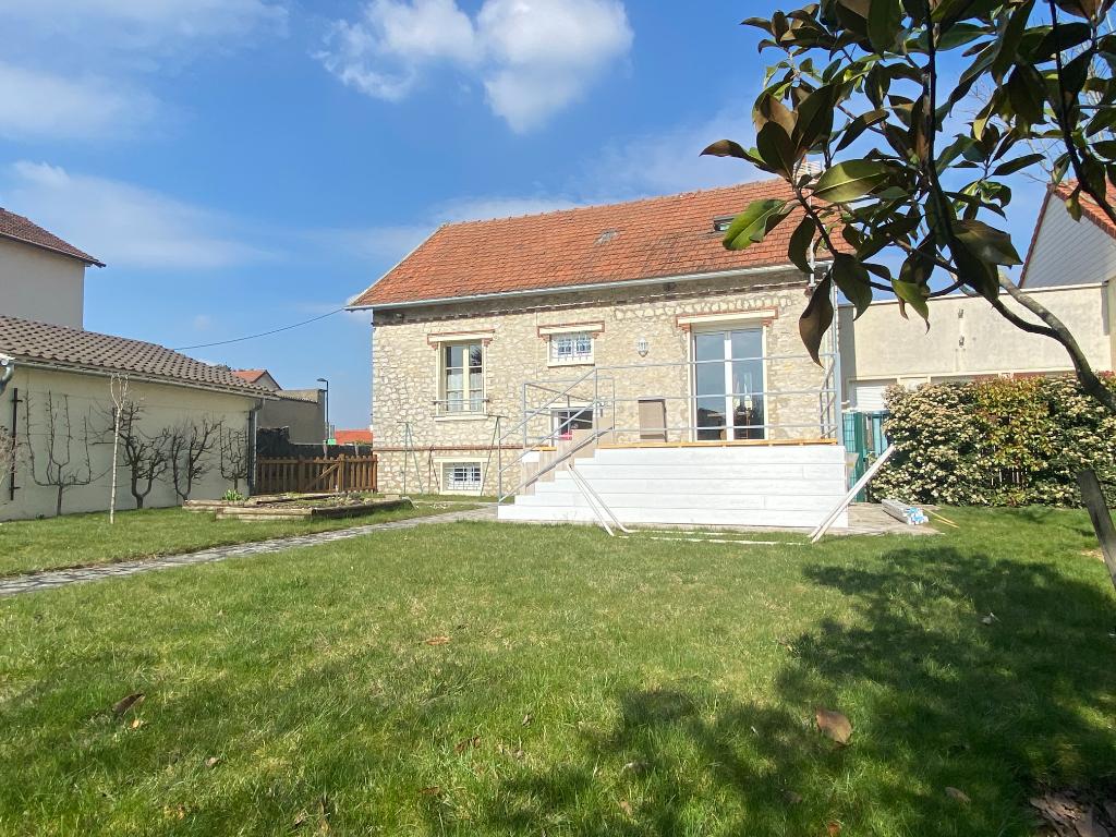Maison 7 pièces 160 m² à MAINVILLIERS