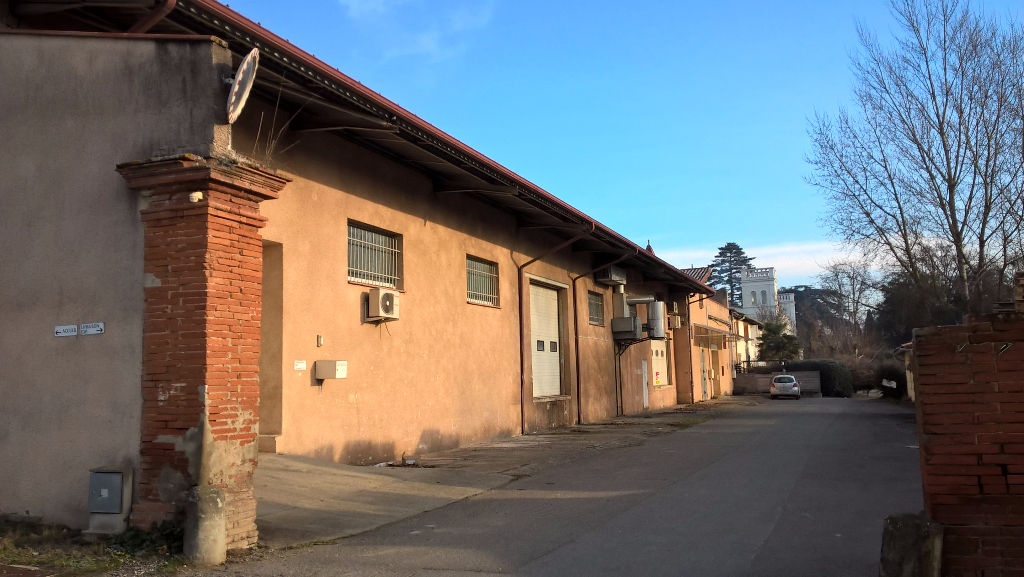 A VENDRE Local d'activité  950 M² secteur  NORD OUEST