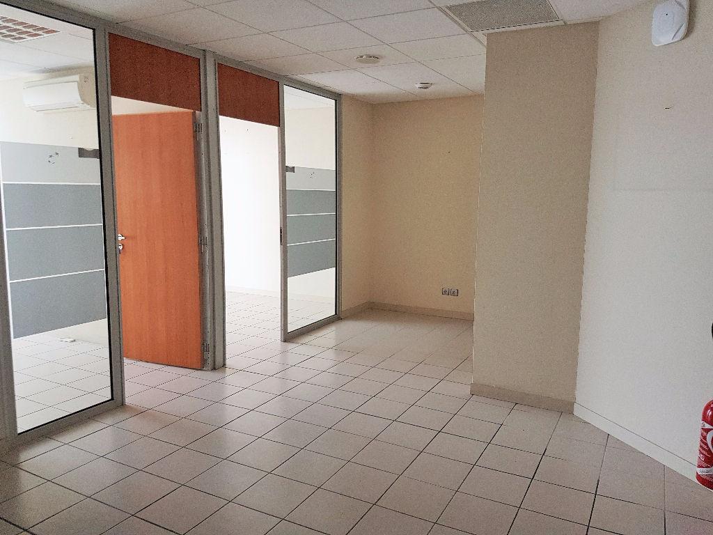 Local commercial - Bureaux à vendre - Frouzins 103 m2