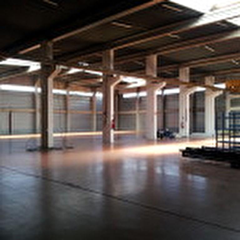 A LOUER ENTREPOT 2000 m² CENTRE DE GROS LARRIEU