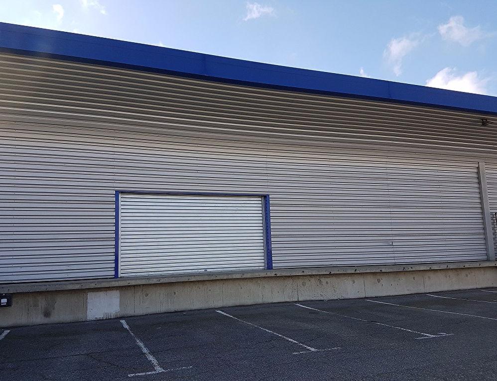 Local d'activité ou commercial  680  m² ZI LARRIEU