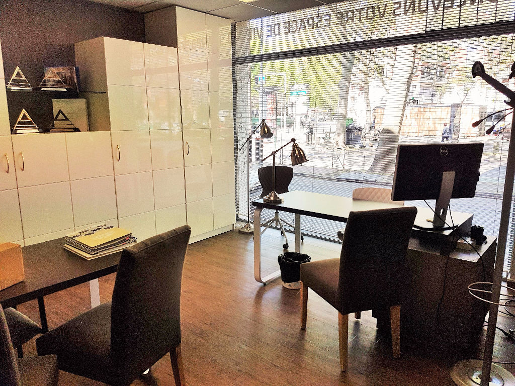 A louer  Bureaux  / Local commercial  de 240 m2 au Grand Rond  à Toulouse