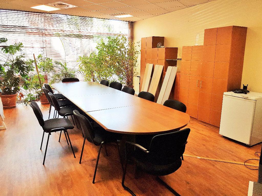 Bureaux à louer  au Grand Rond - Toulouse 240 m2