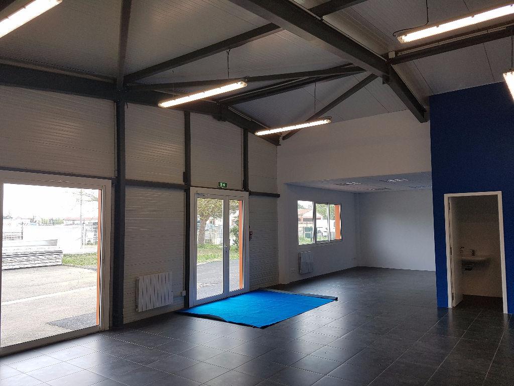 A VENDRE Local d'activité 380 m² SEYSSES