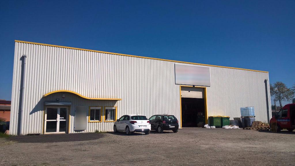 Location Entrepôt 600m²  ZAC PATTE D'OIE à Merville