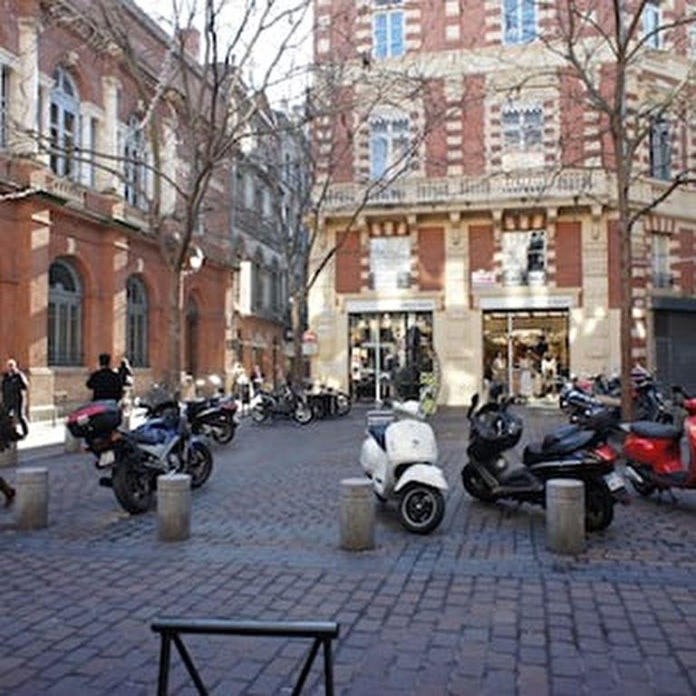 LOCAL COMMERCIAL RUE DE LA BOURSE 180 m²