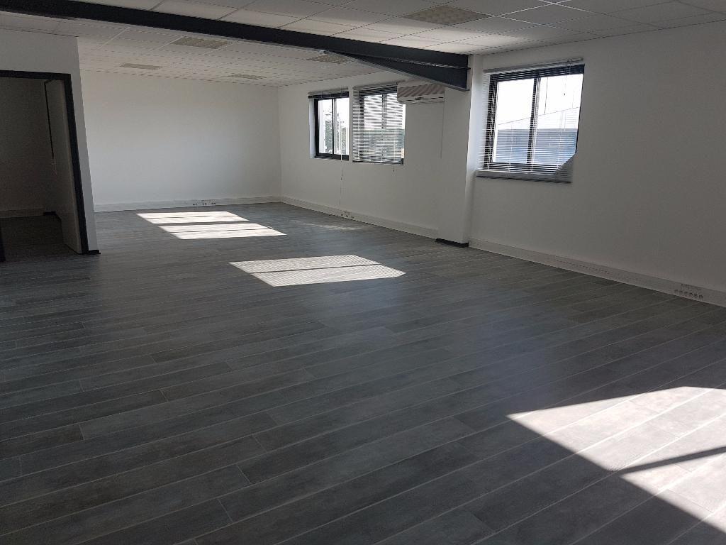 Bureaux  entièrement rénovés à louer  - Blagnac -110 m2