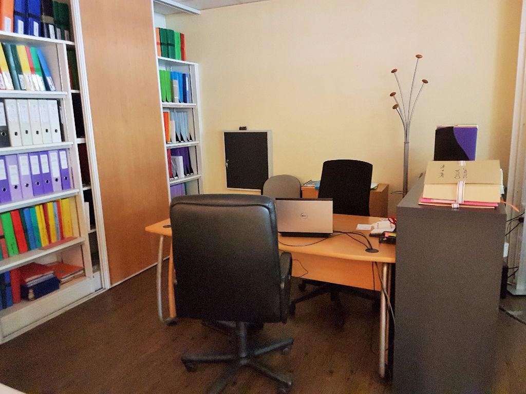 A louer  Bureaux  / Local commercial  de 90 m2 au Grand Rond  à Toulouse